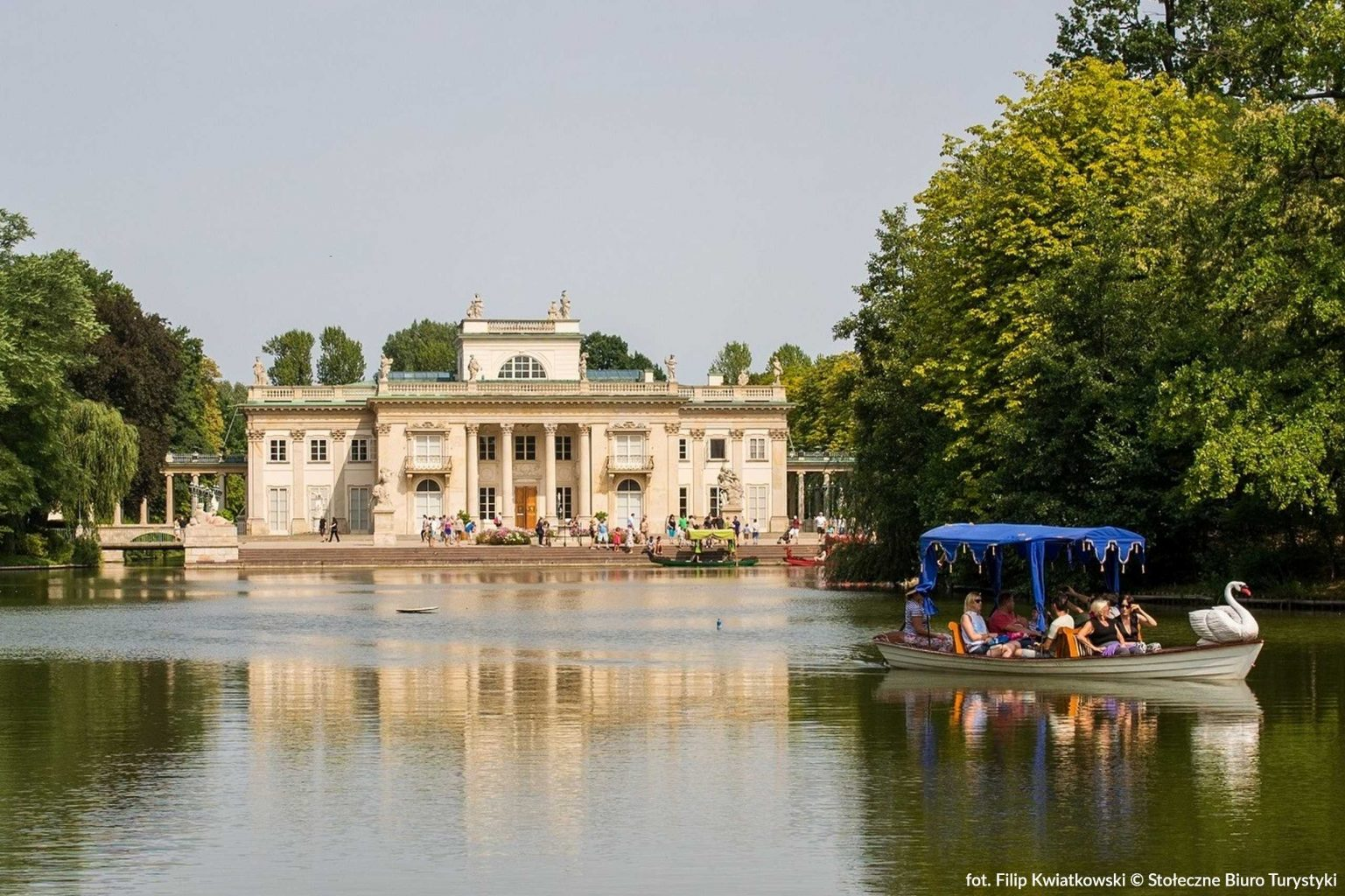 royal lazienki in warsaw, palace on the water