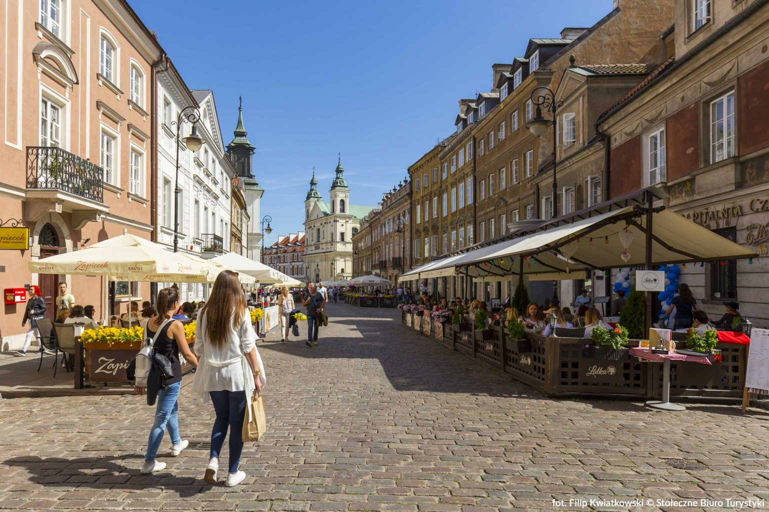 street in the old town in warsaw