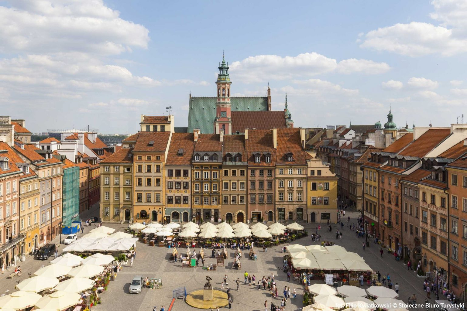old market square in warsaw