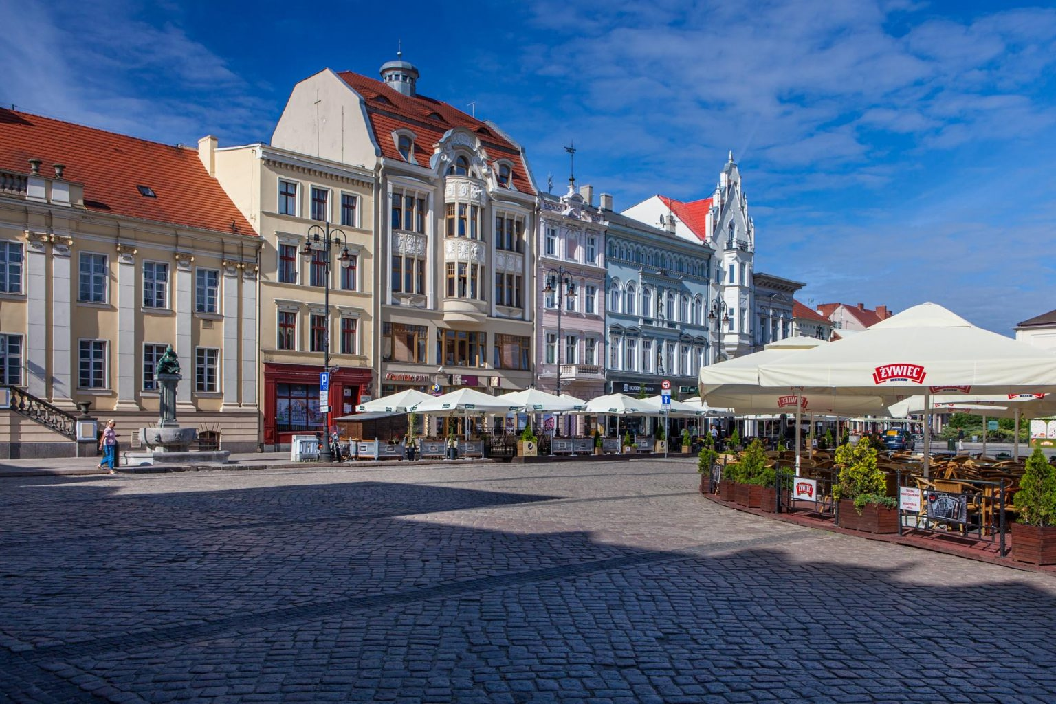 beuatiful tenement houses on the old market square in bydgoszcz