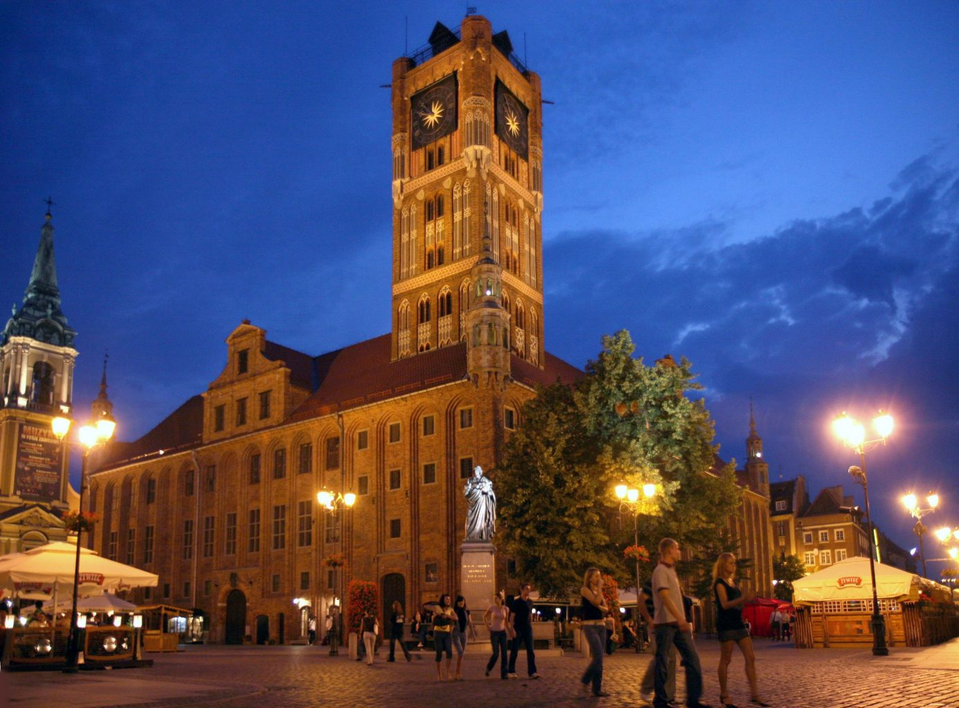 town hall in torun in the evenig