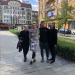 guide and family who was looking for their ancestors in bydgoszcz on the freedom square