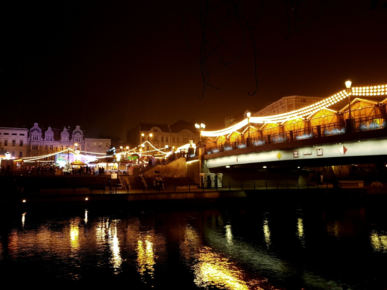 christmas market on the bridge in bydgoszcz